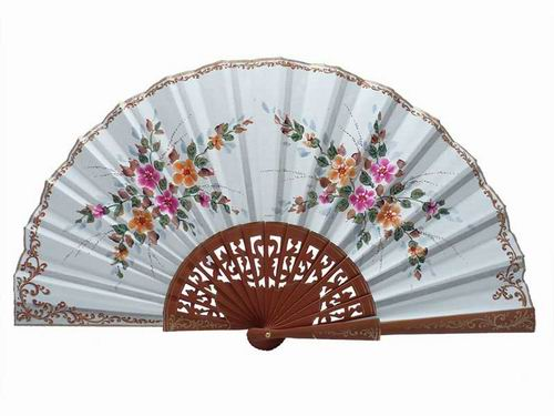 Beige polished pear wood fan. 45x25cm