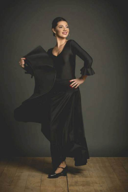 Faldas de flamenco con Canesú y Volante. Davedans