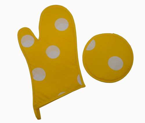 Yellow Mitten and oven glove