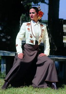 Ivory Horsewoman's Jacket Embroidered with Brown Roses and Brown Cordobesa Skirt 560.000€ #50221MOD10