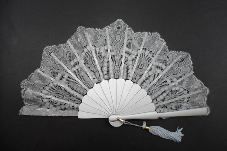 Silver Fan with Lace Finishing for Ceremony. Ref. 1341