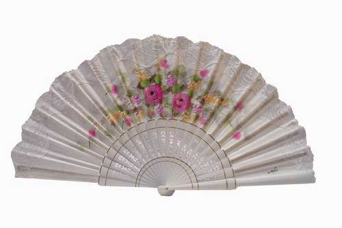 Hand painted fan with white lace. ref. 150ENCJ