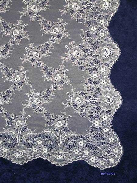 White Wedding Veil. Measurements 130 X 250 cm