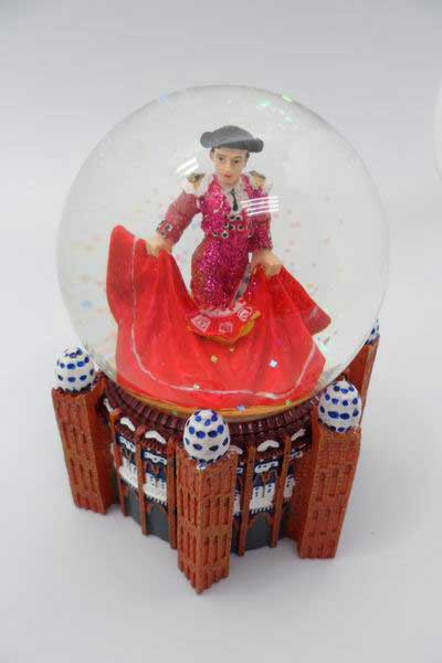 Snow ball Fuxia bullfighter